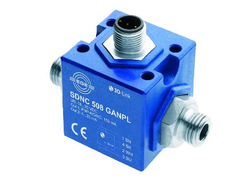 Der weltweit kleinste Durchflussmesser mit IO-Link: der SDNC 500 von EGE ist  einfach konfigurierbar und benötigt kaum Platz.