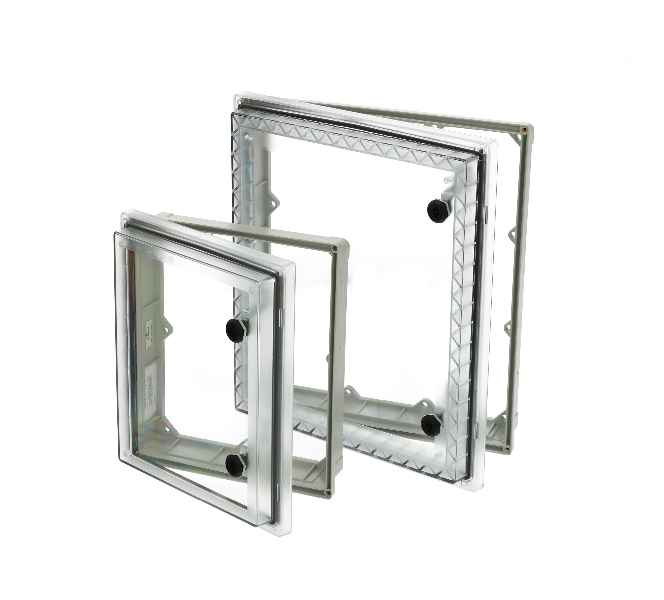 Montagefreundliche PW-Schutzfenster von FIBOX sichern Anzeige- und Schaltkomponenten nach NEMA 4X zuverlässig vor Staub, Schmutz und Feuchtigkeit