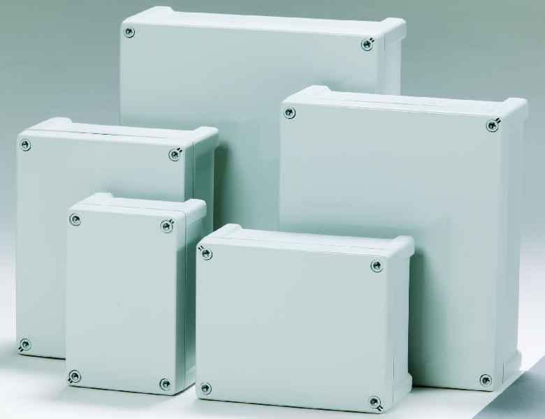 Fibox bietet die Schnellmontage-Schaltkästen der Baureihe Tempo jetzt auch in Versionen aus Polycarbonat an.