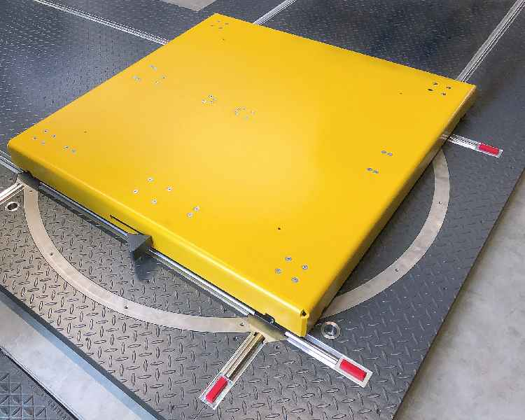 """Vereinfachtes Handling in der Intralogistik: Die neue Lenkplattform """"Allrounder"""" von LOSYCO ermöglicht den flexiblen Richtungswechsel auf der Förderschiene"""