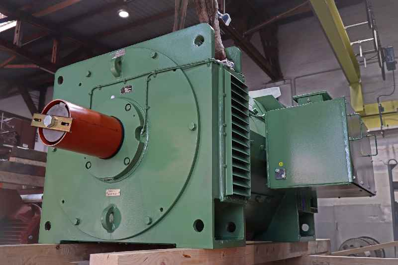 Menzel modeled the DC motor on an old roller motor, configuring it so it can replace either this motor or a coiler drive in the same rolling mill if necessary