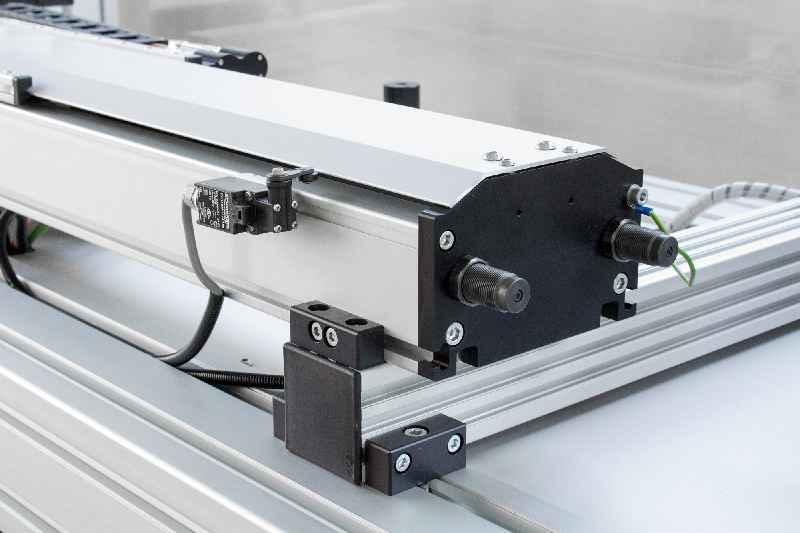 BAHR bietet Positionierachsen mit integriertem Linearmotor auch in reinraumtauglicher Ausführung an