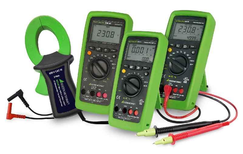 Die neuen digitalen Multimeter der METRALINE-Serie sind in drei Gerätevarianten auch mit TRMS-Messung und Stromzangen-Anschluss erhältlich