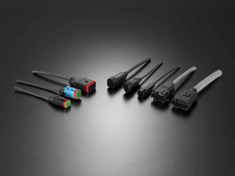 Hochrobuste umspritzte Steckverbinder der Serien ML-XT und Deutsch DT