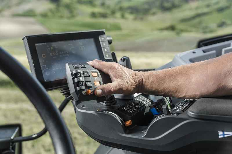 RAFI has developed the multifunctional lever for VALTRA tractors based on its JOYSCAPE joystick platform (photo credit: Valtra)