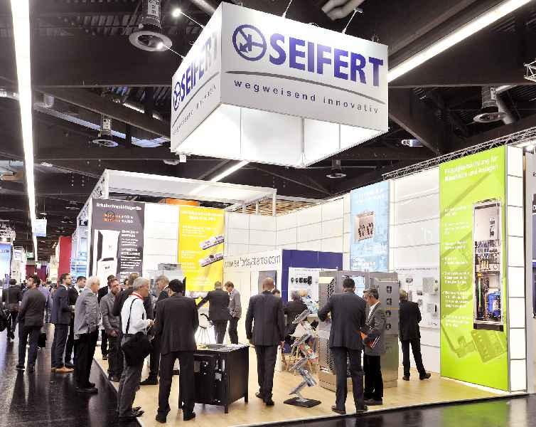 Auf der SPS präsentiert Seifert Systems in Halle 3C/135 effiziente Klimatisierungstechnik von schlanken Kompressionskühlgeräten bis zu Chiller-Systemen