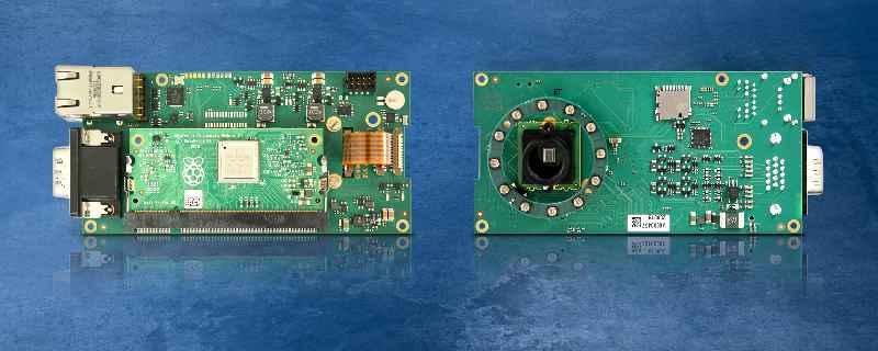 Schnell zur Embedded-Vision-Lösung: Die Platine zum Aufstecken eines Raspberry Pi Compute Module enthält MIPI-Kamera, Objektivhalter und zahlreiche Schnittstellen