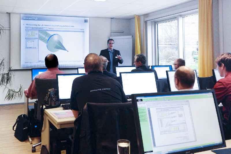 Das Webinar führt in die professionelle Konfiguration und Analyse optischer Systeme mit WinLens 3D ein